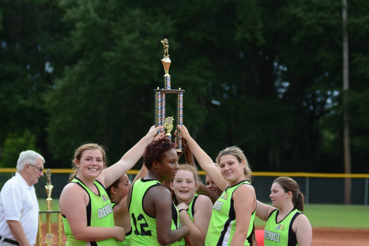 Debs proudly accept their second place trophy. (Bruce Branum | The Standard)